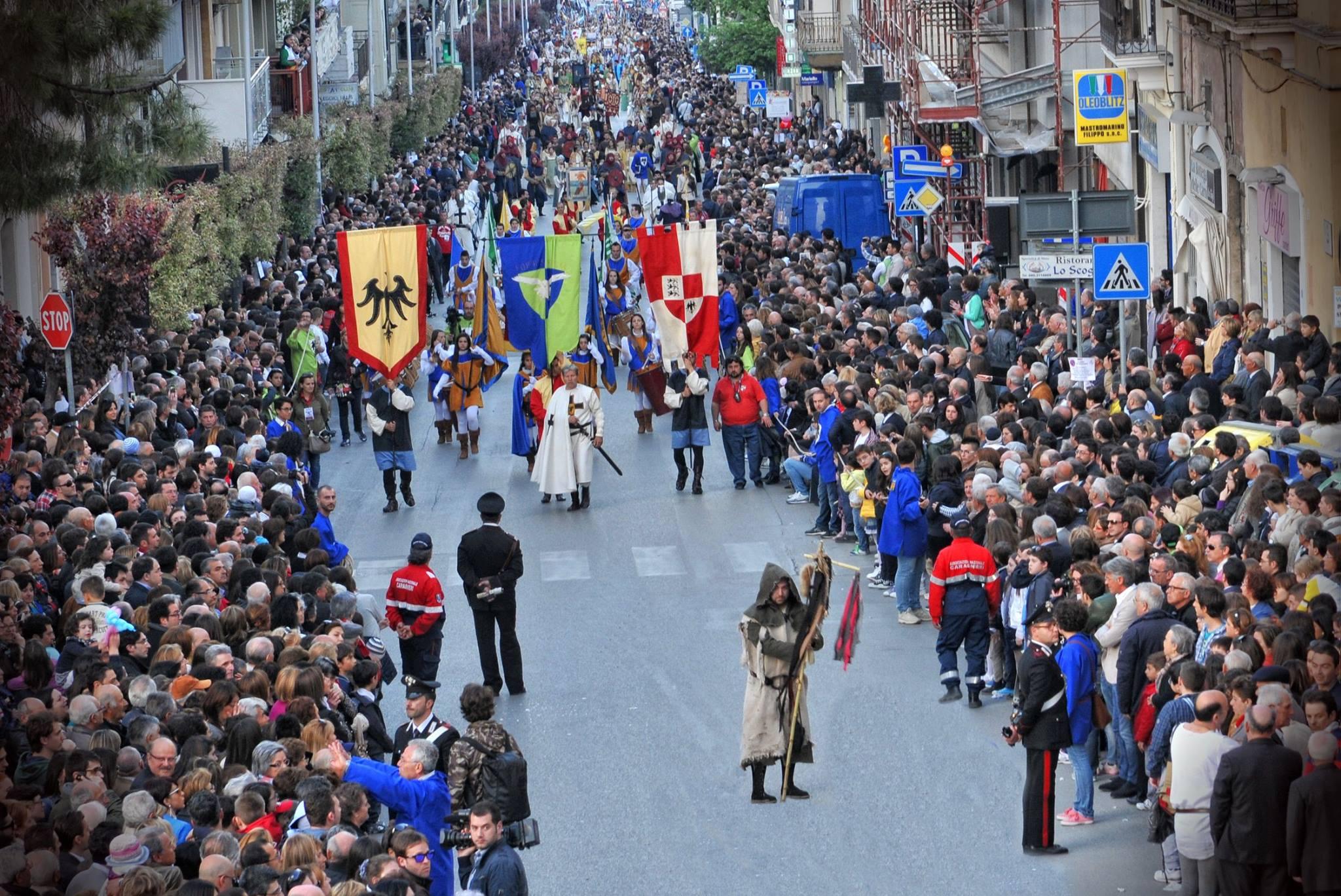 Feste in piazza Ponte 25 Aprile in Puglia